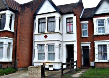 Thumbnail 1 bedroom flat to rent in Hamlet Court Road, Westcliff-On-Sea