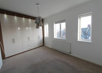 2 bed maisonette to rent in Westmount Road, London SE9