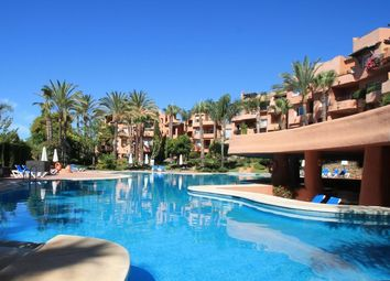 Thumbnail 2 bed apartment for sale in Oasis De Marbella, Marbella Golden Mile, Costa Del Sol