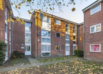 Thumbnail 1 bed flat to rent in Carnarvon Road, London