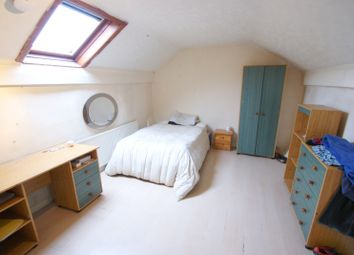 Thumbnail 2 bedroom flat to rent in Woodsley Road, Hyde Park, Leeds