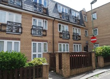 Thumbnail 1 bed flat to rent in Tapster Street, High Barnet, Barnet