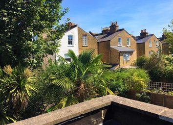 Thumbnail 1 bed flat to rent in Norroy Road, Putney