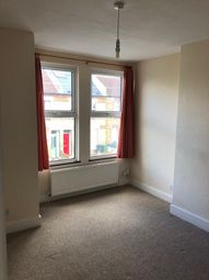 Thumbnail 2 bed flat to rent in Edgington Road, Streatham London