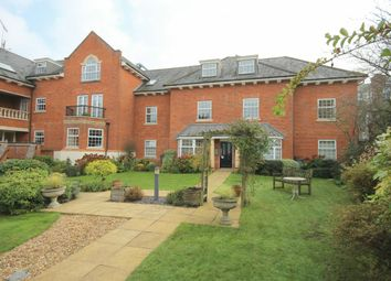 Thumbnail 2 bed flat for sale in Potters Place, Horsham