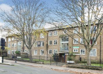2 bed flat for sale in Grange Grove, London N1