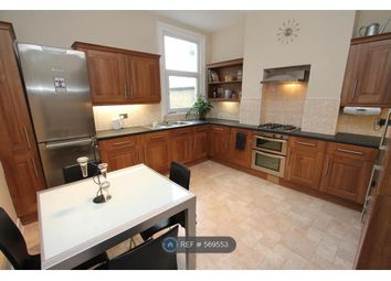3 bed maisonette to rent in Broomwood Rd, London SW11