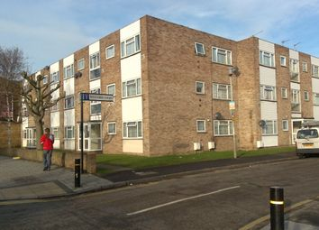 Thumbnail 2 bedroom flat to rent in Wivenhoe, Hounslow