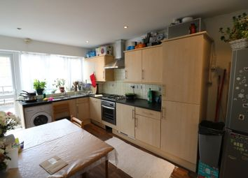 Thumbnail 3 bed flat to rent in Green Street, London