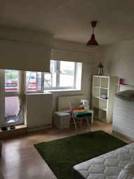 Thumbnail Room to rent in Wallwood Street, London