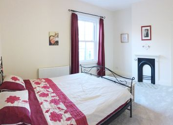 3 bed property for sale in Lindley Street, York YO24