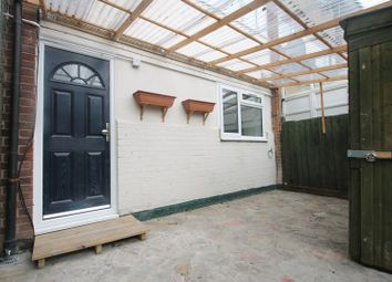 Thumbnail Studio to rent in Merlin Close, Yeading, Hayes