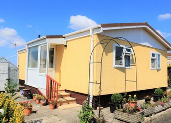 2 bed mobile/park home for sale in Oaktree Park, Locking, Weston-Super-Mare BS24