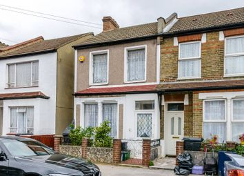 Thumbnail 3 bed property to rent in Priory Road, Croydon