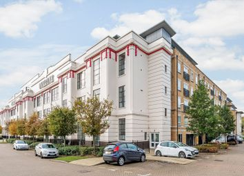 Ovaltine Drive, Kings Langley WD4. 2 bed flat