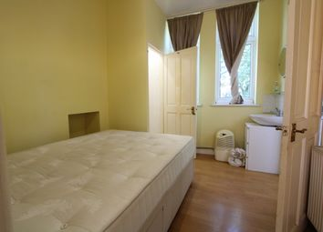 Thumbnail 1 bed flat to rent in Courtney Rd, Waddon/Croydon