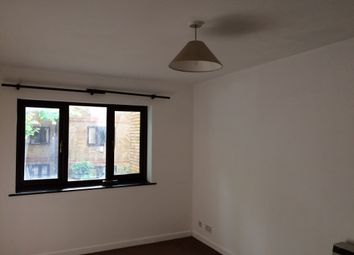 Thumbnail 1 bed flat to rent in Brunswick Quay, Canada Water, London