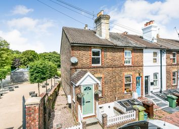 Rochdale Road, Tunbridge Wells TN1. 2 bed end terrace house