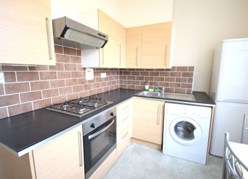Thumbnail 1 bed flat to rent in Oakley Road, Islington, London