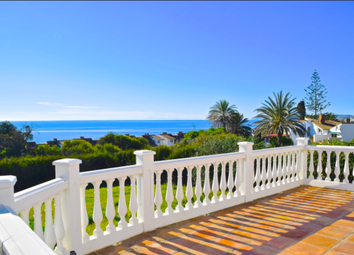 Thumbnail 3 bed villa for sale in Estepona, Andalucia, Spain