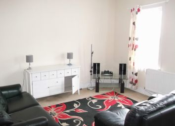 Thumbnail 1 bed flat to rent in Hanworth Road, Hounslow