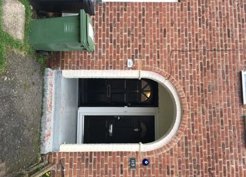 Thumbnail 2 bed flat to rent in Keendonwood Road, Bromley. London