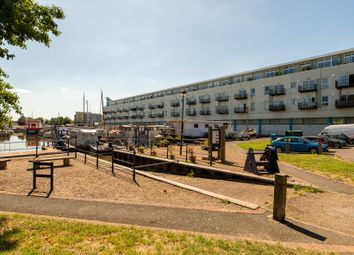 Thumbnail 1 bedroom flat for sale in Canal Road, Gravesend