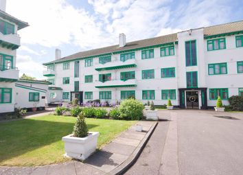Elm Park Road, Pinner HA5. 2 bed flat