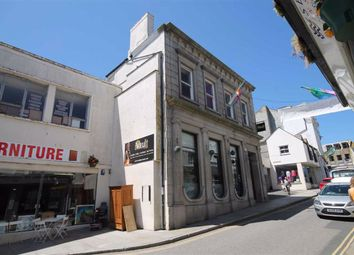 Thumbnail Restaurant/cafe for sale in Bar And Restaurant Premises, 17-18, Market Place, Penzance