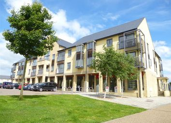 Thumbnail 2 bed flat to rent in Thornhill Close, Carterton
