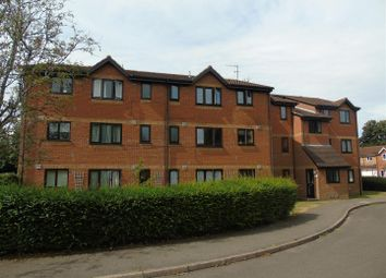 Thumbnail 1 bed block of flats to rent in Courtlands Close, Watford