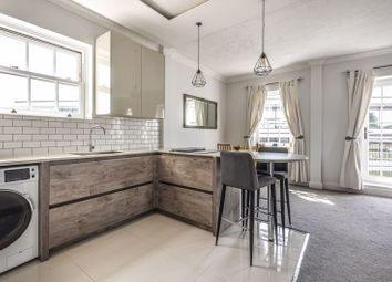 2 bed flat to rent in The Maltings, Church Street, Staines TW18