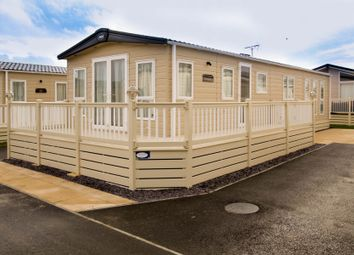 Thumbnail 2 bedroom mobile/park home for sale in Seaview Holiday Park, Whitstable