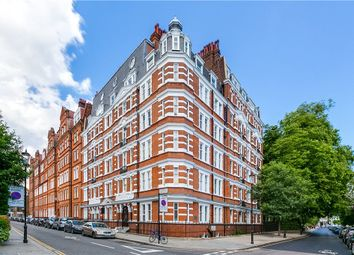 Thumbnail 1 bed flat to rent in Kensington Court Place, Kensington, London