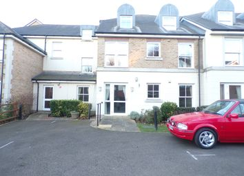 Thumbnail 2 bedroom flat for sale in Glen View, Gravesend