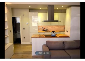 Thumbnail 2 bed flat to rent in Hatherley Grove, London