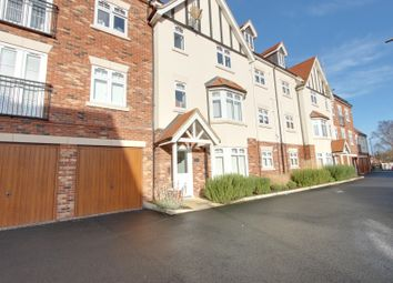 Thumbnail 1 bed flat for sale in Albany Court, Leigh-On-Sea, Essex