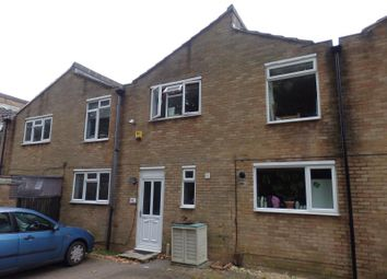Thumbnail 4 bedroom terraced house to rent in Fairfax Avenue, Redhill