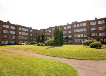 Thumbnail 1 bed flat to rent in Kimber Road, Earlsfield, London