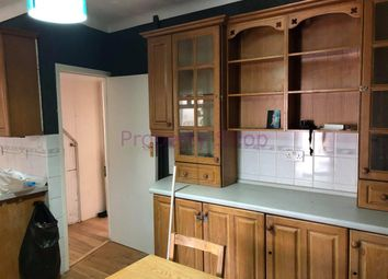 Thumbnail 1 bedroom flat to rent in Fairfield Drive, Perivale, Greenford