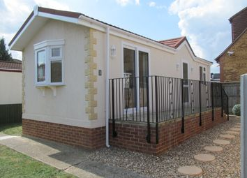 Thumbnail 1 bed mobile/park home for sale in Ferry Avenue, Hawthornes Park, Staines, Surrey