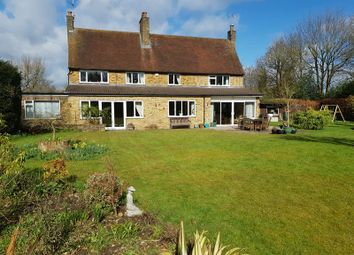 Thumbnail 4 bedroom detached house for sale in Woodside Close, Beaconsfield