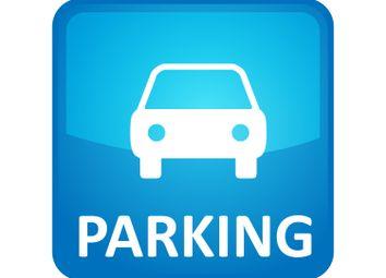 Thumbnail Parking/garage to rent in City Walk, Leeds