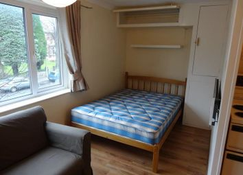 Thumbnail Studio to rent in Ventnor Court, Wostenholm Road, Sheffield