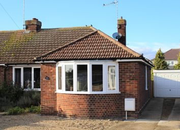 Thumbnail 3 bed bungalow to rent in Dove Crescent, Essex