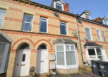 The Shops, Woodville, Sticklepath, Barnstaple EX31. 2 bed flat