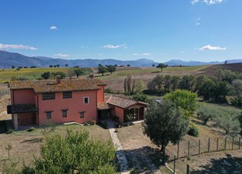 Thumbnail Country house for sale in Montefalco, Perugia, Umbria, Italy