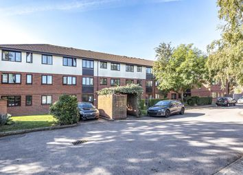 2 bed flat for sale in Chessholme Court, Sunbury-On-Thames TW16