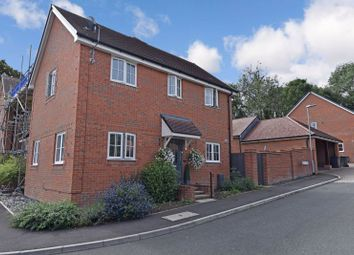 3 bed semi-detached house to rent in Oak Leaf Way, Horndean, Waterlooville PO8