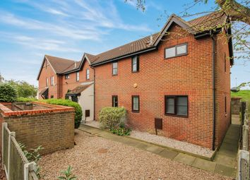 Thumbnail 2 bed flat for sale in Chaseway, Basildon